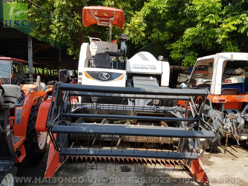 Máy gặt đập liên hợp Kubota DC70 Thái Lan (Đã qua sử dụng)